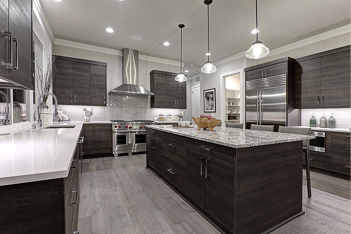 cuisine-bois-brun-et-marbre
