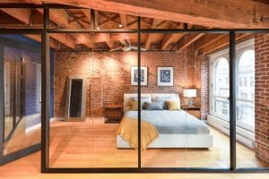 Rénovation loff vieux montréal par designer verriere